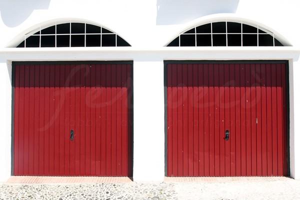 Installazione porte blindate, basculanti e zanzariere